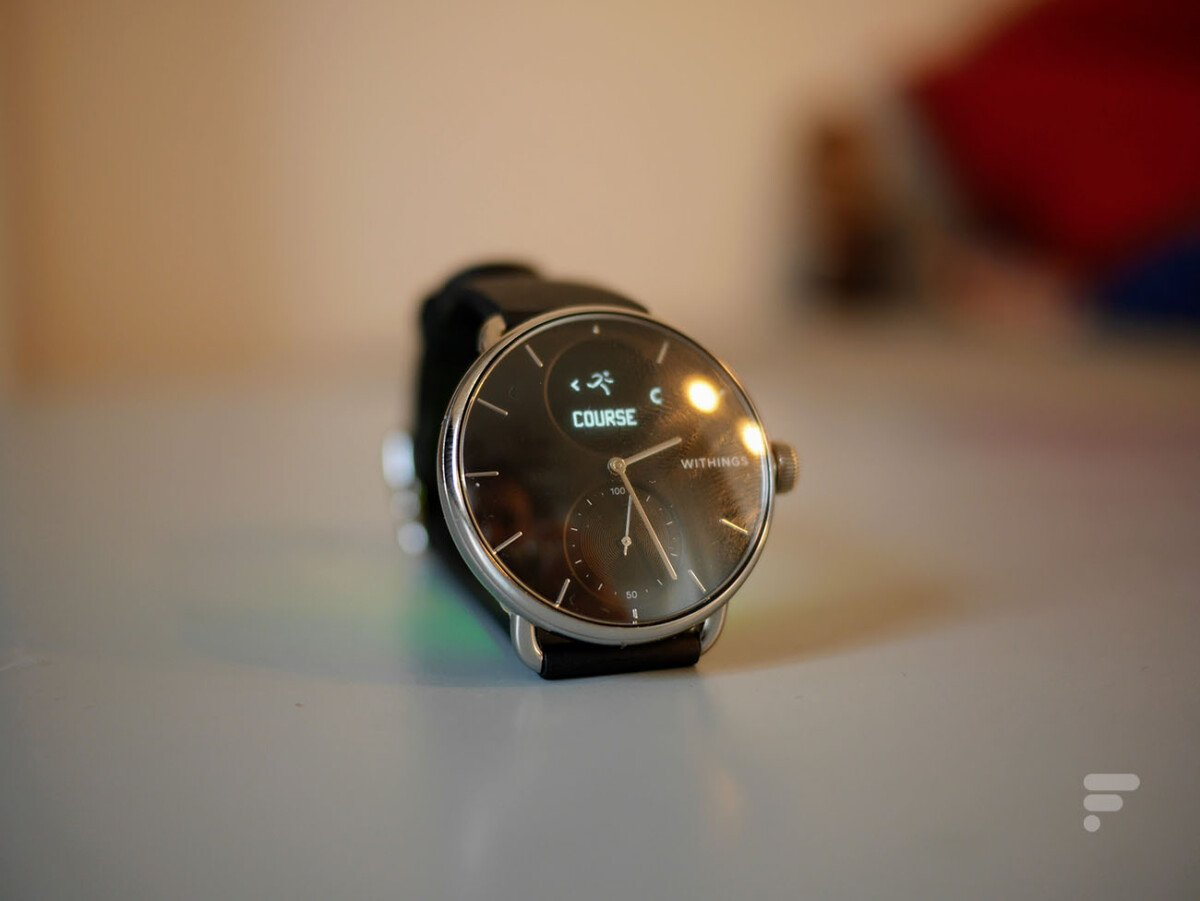 A long press on the Withings ScanWatch button will launch activity monitoring