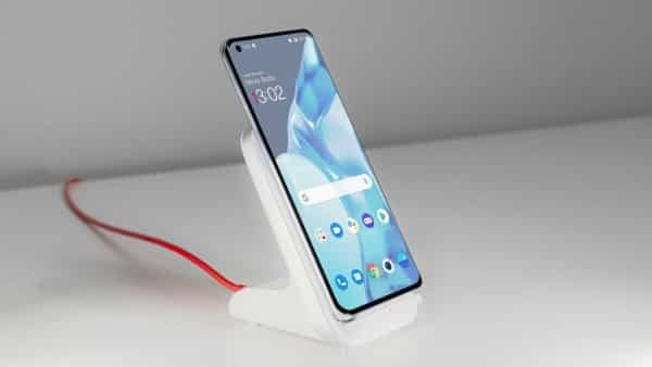 The OnePlus wireless charger